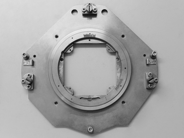 LIGA: mask holder for deep X-ray lithography