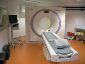 Clinical computer tomograph